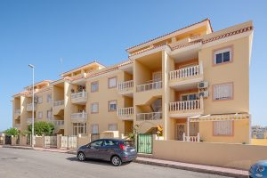 two bed property for sale in Villamartin