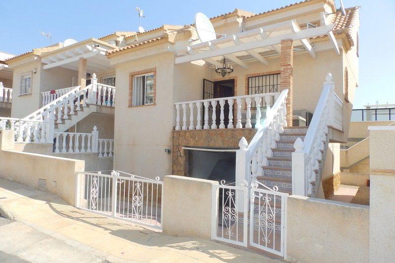 three bed detached villa for sale in Villamartin