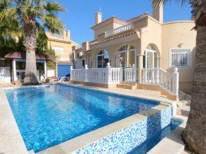 Villamartin property - 3 bed villa with pool