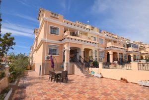 Townhouse for sale in Villamartin